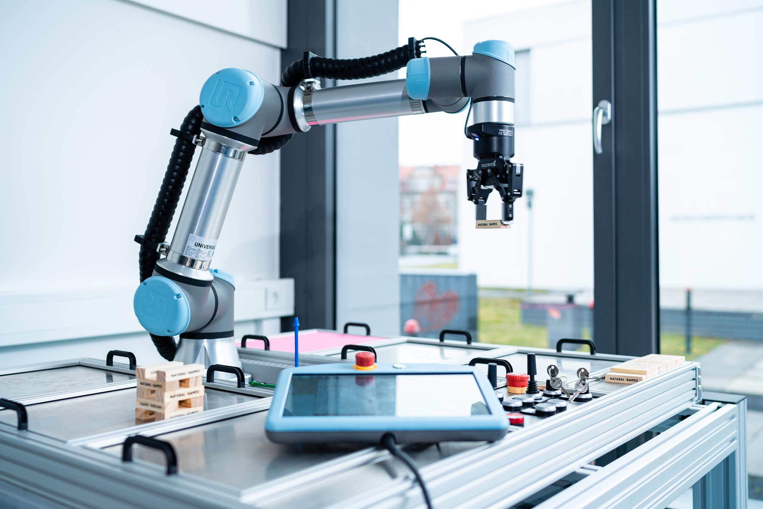 kollaborationsfähigeer Roboter (COBOT)