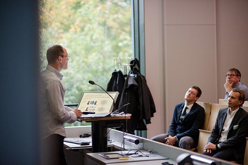 Prof. Georg Ringwelski gibt einen Überblick über KI